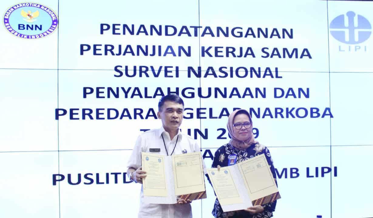 Penandatangan Perjanjian Kerja Sama antara Pusat Penelitian Data dan Informasi Badan Narkotika Nasional (Puslitdatin BNN) dengan Pusat Penelitian Masyarakat dan Budaya Lembaga Ilmu Pengetahuan Indonesia (P2MB LIPI)